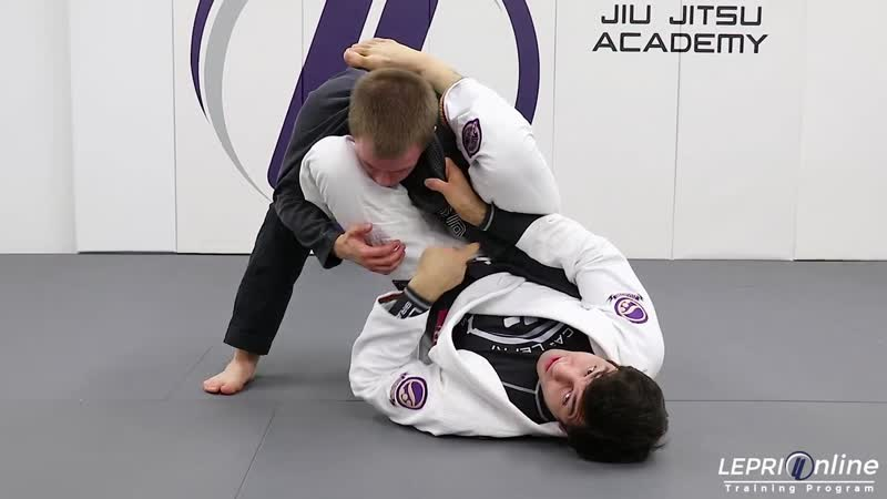 Lucas Lepri - Guard Pull to Omoplata (and omoplata choke)