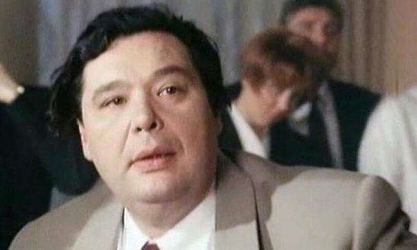 ИСТОРИЯ АКТЁРА СЕРГЕЯ НИКОЛАЕВА - САМОГО КАПРИЗНОГО ЦАРЕВИЧА ИЗ ВАРВАРЫ-КРАСЫ Актёру Сергею Николаеву, к сожалению, не доставалось главных ролей в кино, но все те персонажи, которых он