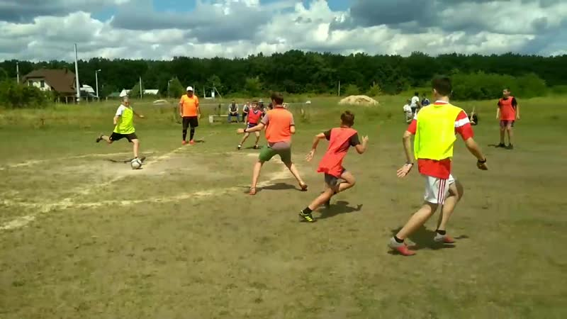 Таврово 3 рубится в футбол