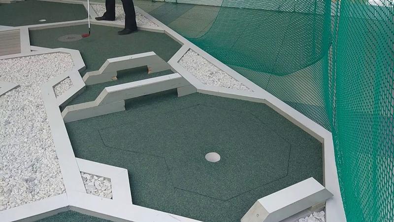 Мини-гольф   о мячиках   Парк Молотки и клюшки
