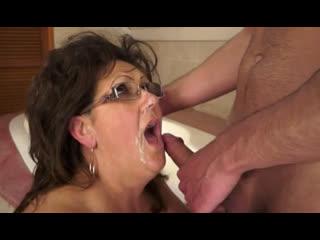 Порно -- ей 57 -- взрослая женщина показала на что способна -- gilf porn sex granny <><>