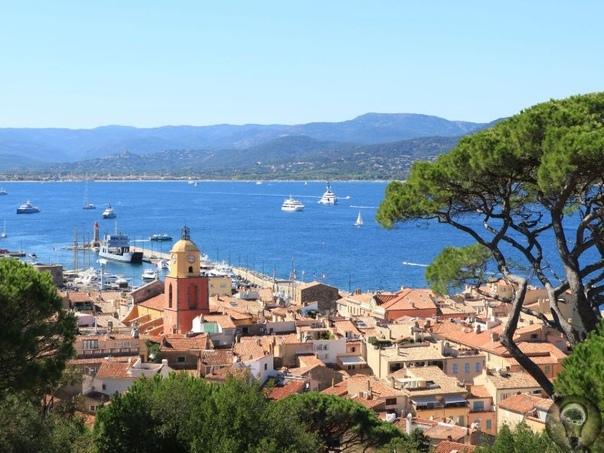 Лучшие курорты Франции на море 1. Ницца Средиземноморской город Ницца является популярнейшим местом Лазурного берега Франции. Чудесный климат и развитая инфраструктура, великолепные пляжи и