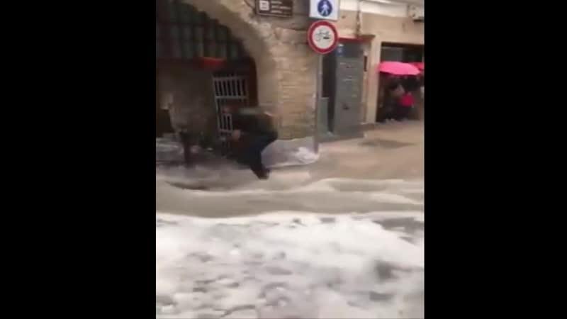 ИТАЛИЯ Сильный шторм града в Павии, Северо-Восточная Италия 11-5-2019