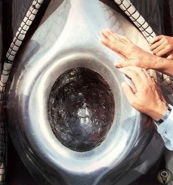 Черный камень Каабы - о древнем артефакте исламского мира Что вы знаете о главном символе мусульманской веры Это знаменитое строение Кааба, расположенное в Мекке. Согласно преданиям, строилась