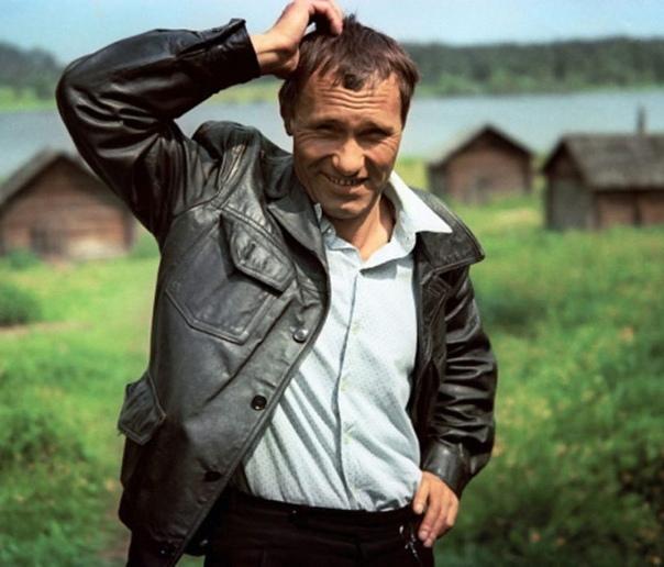 Василий Шукшин, сегодня его день рождения  Какой ваш любимый фильм с ним
