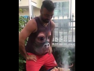 Настоящее 3d - big face baby orangutan
