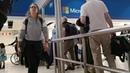 Измерение температуры бесконтактным сканером в аэропорту Йоханнесбурга