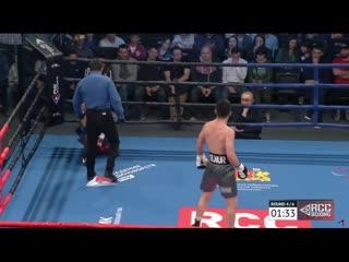 Африканец c 29 победами эпично сдался в ринге непобежденному узбеку. Видео «фантомного» нокаута в весе «Казахского короля»