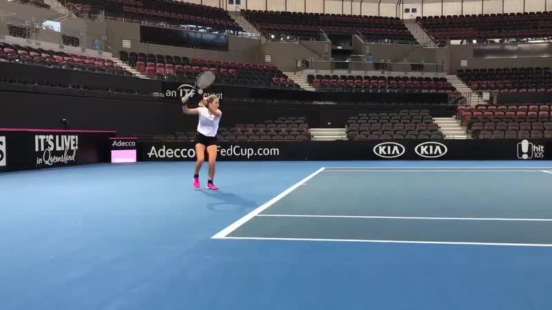 Vika Azarenka practice before SF FedCup