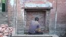 Захватчик незаконно пробивает вход в полуподвал нашего дома объект культурного наследия