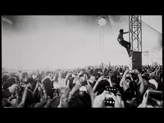 Fever 333 - crowd surfing