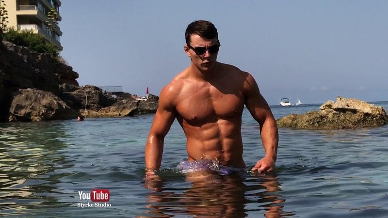 Muscle Model Motivation Elliot Robinson Palma de Mallorca Styrke Studio