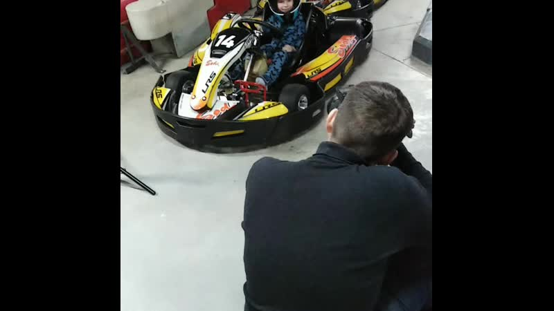 Бекстейдж с рекламной съёмки для @drive_karting_nsk от @happykidssib 24.03.19 @kamynin_arcenii КамынинАрсений