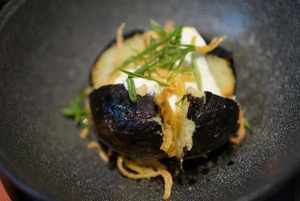 Запеченная в углях картошка с идеальным вкусом: секрет шеф-повара