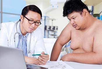 Человек с факторами риска для атеросклероза должен поговорить со своим врачом о том, что они могут сделать, чтобы оставаться здоровым.