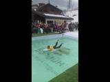 Несчастный случай в бассейне во время фестиваля BoogleWoogl на Розе Хутор 15 марта 2019 года