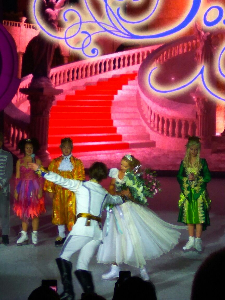 Ледовые шоу-2018-2019 - Страница 9 Oa1dvbVroew