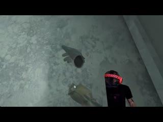 Пьюдипай играет в CS_GO в виртуальной реальности