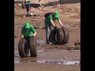 Волонтёры пришли на экоакцию очистить канонерский остров