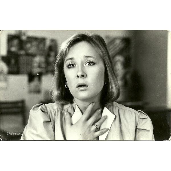 Лариса Удовиченко, сегодня ее день рождения! Какой фильм с ней ваш любимый .Спасибо за и подписку !Лариса Удовиченко родилась в Вене, где служил тогда ее отец, военный врач. Ее же мама училась