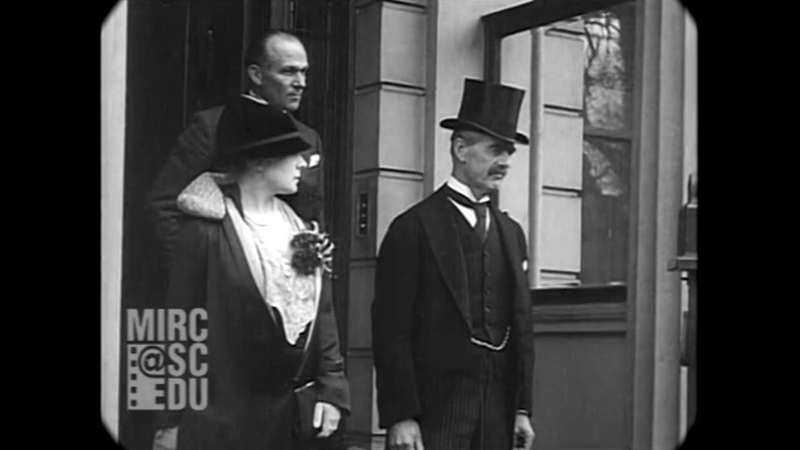 1934 Scenes Throughout London England real sound