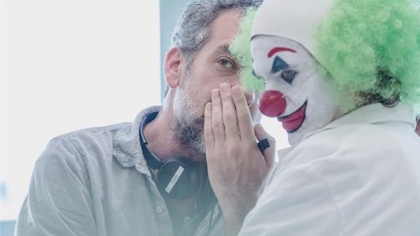 Кажется, Тодд Филлипс решил задокументировать каждый свой и Хоакина шаг на съемках «Джокера»
