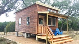 Rustic Beautiful Tiny House with Elevator King Bed