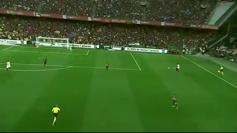 Brutal carrera de Carlitos Soler destruyendo y exhibiendo a Jordi Alba, asistencia y Rodrigo Moreno cierra la pinza. TOMA. - - B