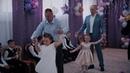 Танец мам и сыновей и отцов и дочерей в детском саду АЮШКА на выпускном