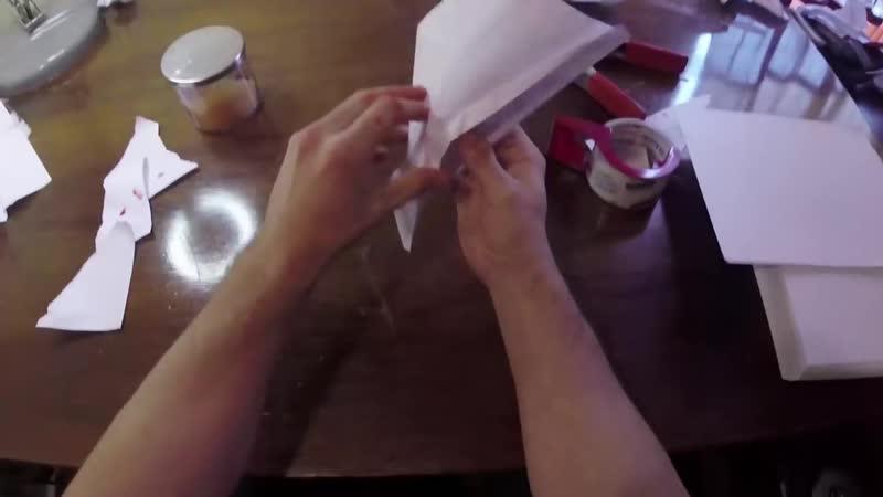 Как сделать бумажный самолетик?