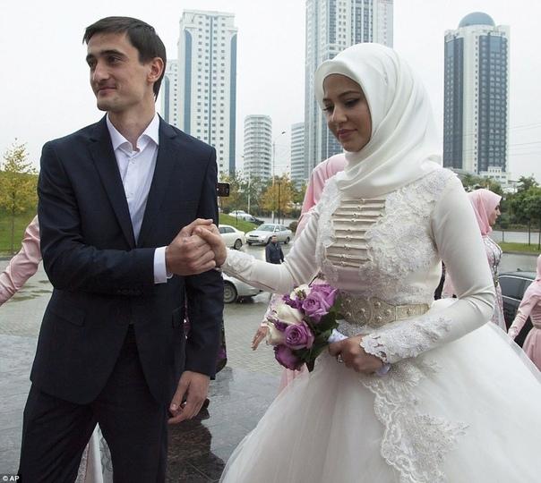 Кавказские свадьбы: особенности, обряды, традиции и интересные факты Кавказ поистине необычное и уникальное место. Здесь вы встретите людей разных национальностей, которые объединены культурой и