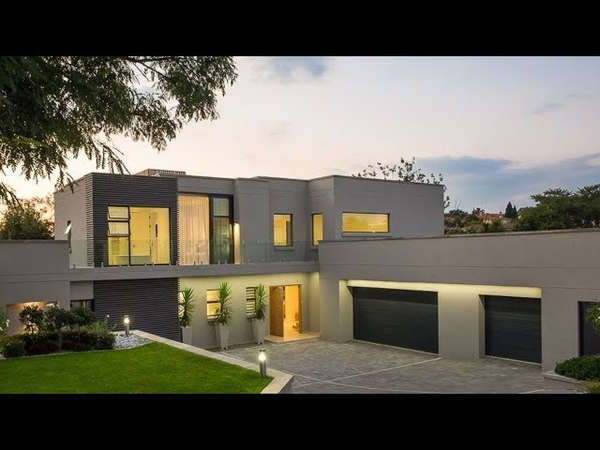 Top Billing tours a beautiful golf course home in Dainfern   FULL INSERT