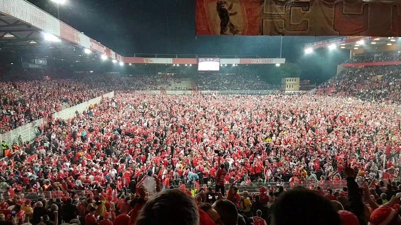 Union Berlin - Aufstiegsfeier nach dem Spiel gegen den VfB Stuttgart