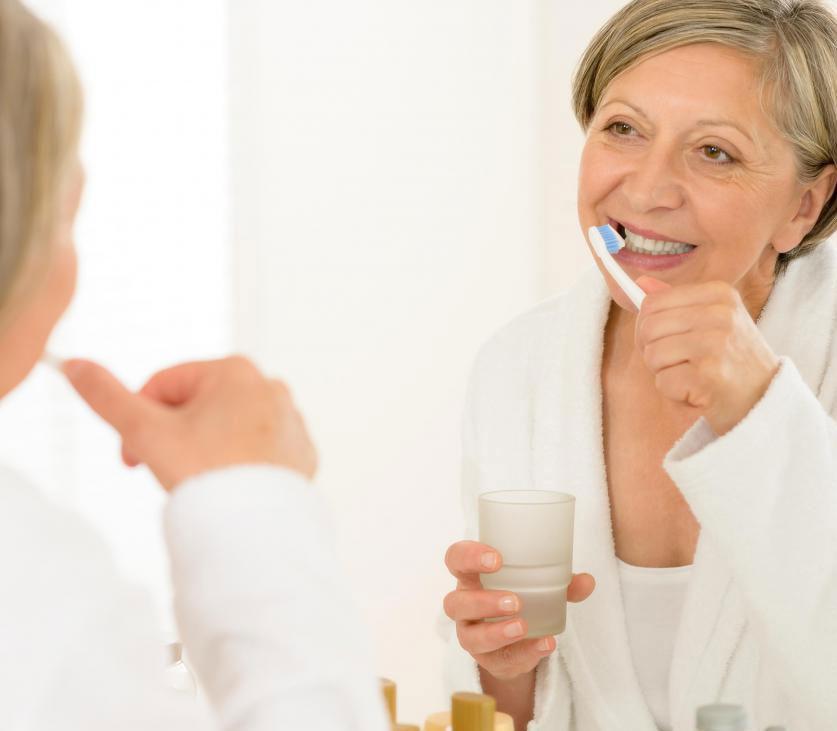 Режим ежедневной гигиены полости рта может помочь предотвратить заболевание пародонта.