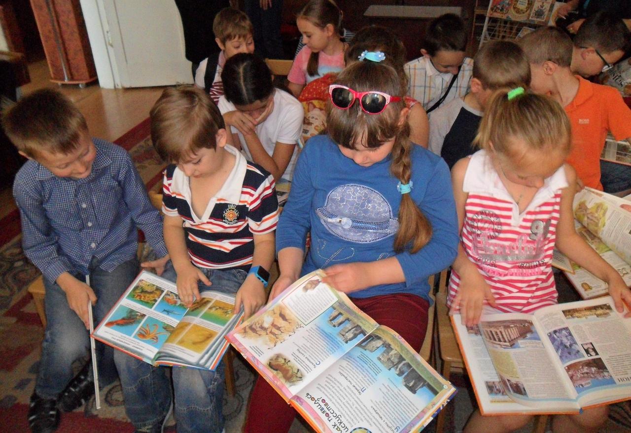 летние каникулы в библиотеке, донецкая республиканская библиотека для детей, отдел искусств, занятия с детьми