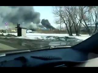 https://tass.ru/sibir-news/6232738 В Омске горит Литейно-механический завод.1,4 тыс.кв метров.🔥🔥🔥