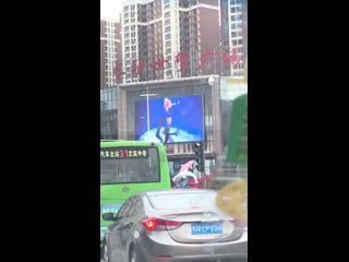 """Lisa """"Attention"""" dance video on the LED Signboard at CHINA"""