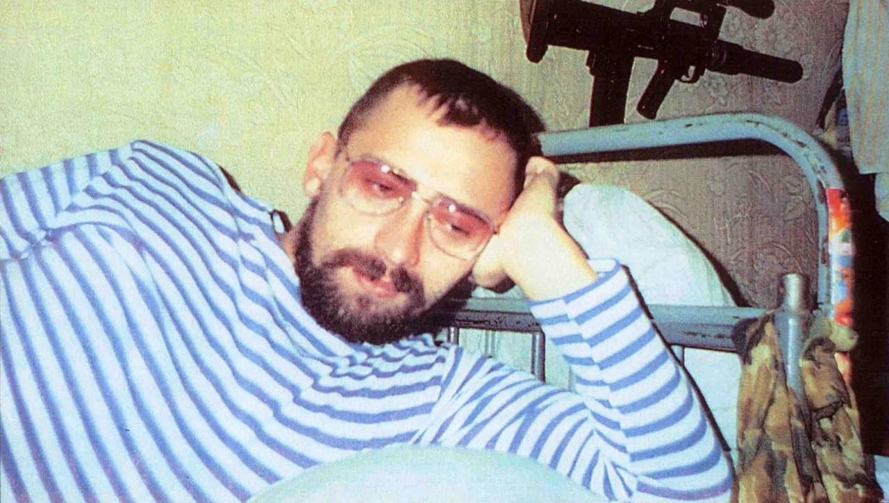 Кавалер трех боевых орденов майор И. Иванович. Ханкала, декабрь, 1995