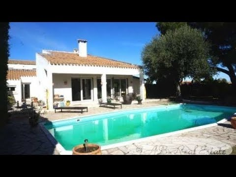 Pézenas area Nice house dating from 1977 for sale