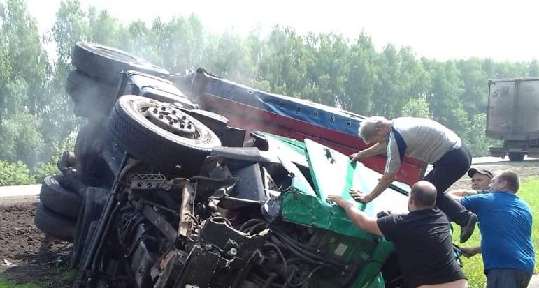 Под Ельцом в аварии погибли два человека — Изображение 1