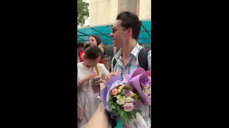 John Eyzen avec les fans chinois