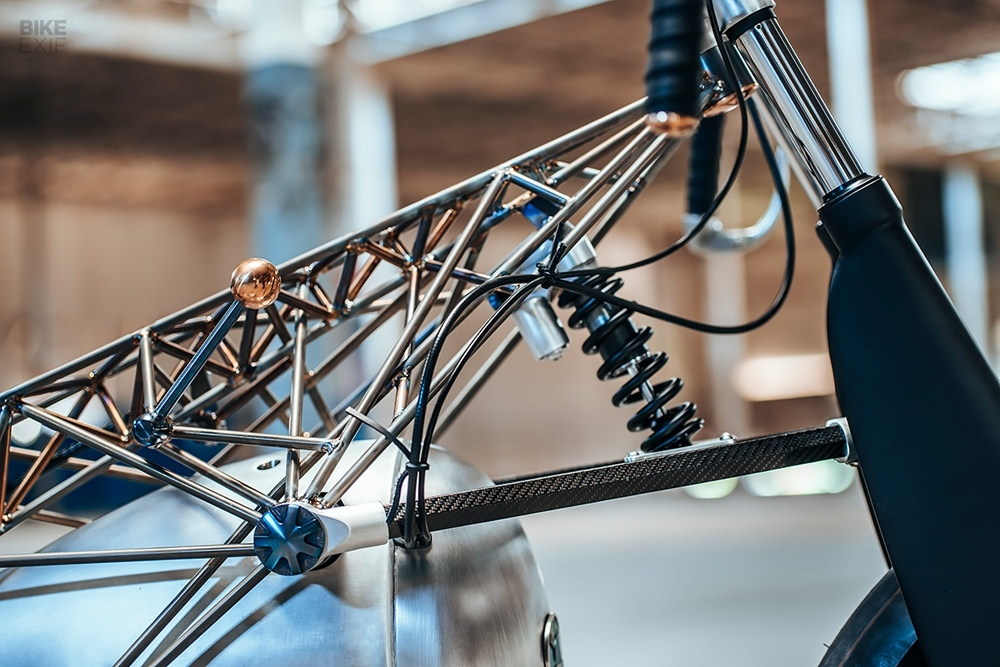 Revival Cycles: кастом BMW Birdcage