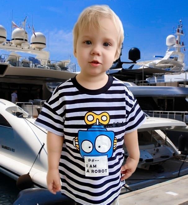 Полосатая футболка с рисунком робота