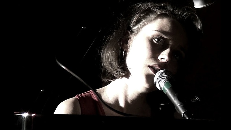 Hommage à Barbara - Angelina Wismes reprend Nantes en piano/voix