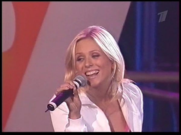 Юлия Началова - Учат в школе на концерте для выпускников 2003г