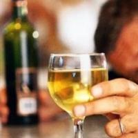 Почему люди становятся алкоголиками?