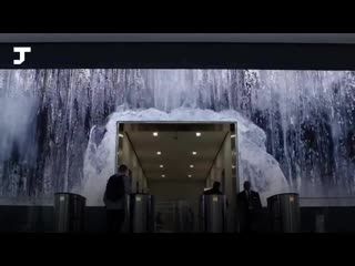 В США входы в офисный центр превратили в «водопады» с помощью LED-панелей