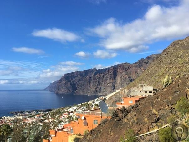 ВОКРУГ ТЕНЕРИФЕ ЗА 3 ДНЯ Тенерифе пожалуй, самый известный из всех Канарских островов. Часто его называют пансионатом для пожилых немцев и англичан. Отчасти это правда там действительно отдыхает