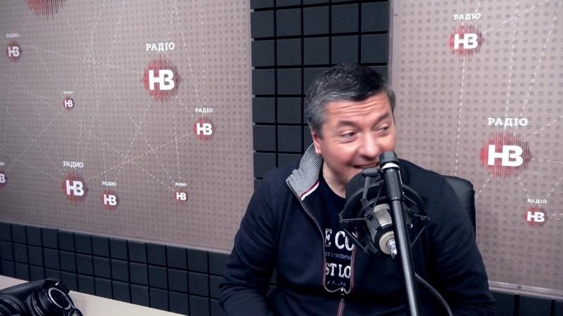 Що Зеленського загнало в глухий кут Віталій Бала коментує відео-заклики обох кандидатів