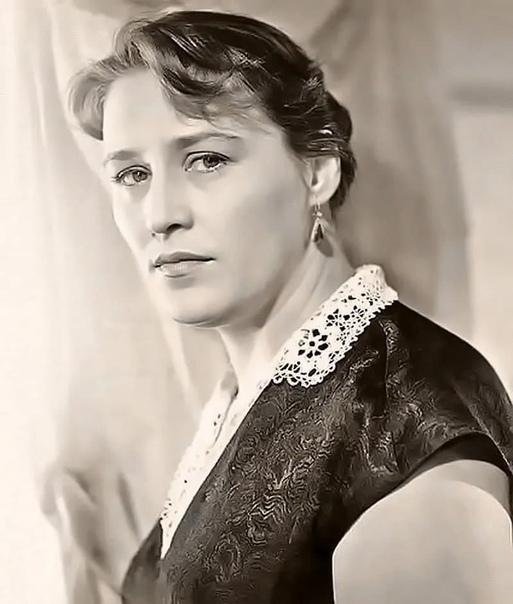 Нонна Мордюкова, сегодня ее день рождения В каком фильме она вам запомнилась больше .Спасибо за и подписку.Нонна Викторовна появилась на свет в селе на Украине в семье колхозников. Но это были